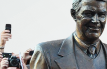 Harry Kalas Memorial Statue